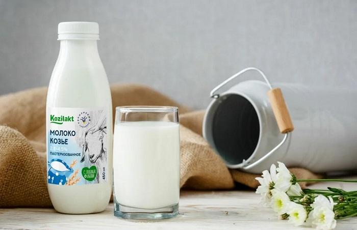 бутылка козьего молока
